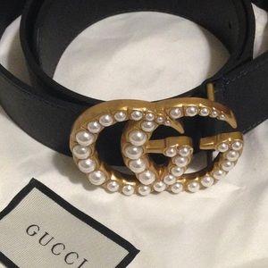 Women's 1.5 in Gucci Pearl Embedded Belt Size 8